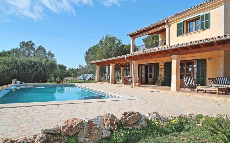 Excellent country house in Ses Salines with sea views