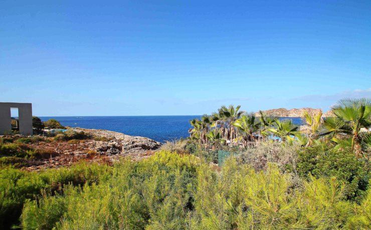 Luxus-Villa in Nova Santa Ponca in erster Meereslinie