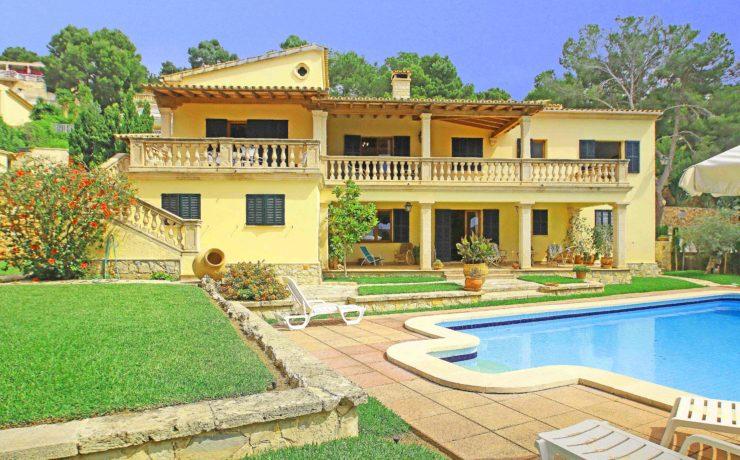 Familienvilla in Costas D`en Blanes mit Meerblick