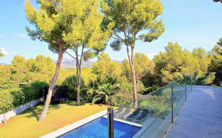 Spacious 5 bedroom villa Nova Santa Ponsa