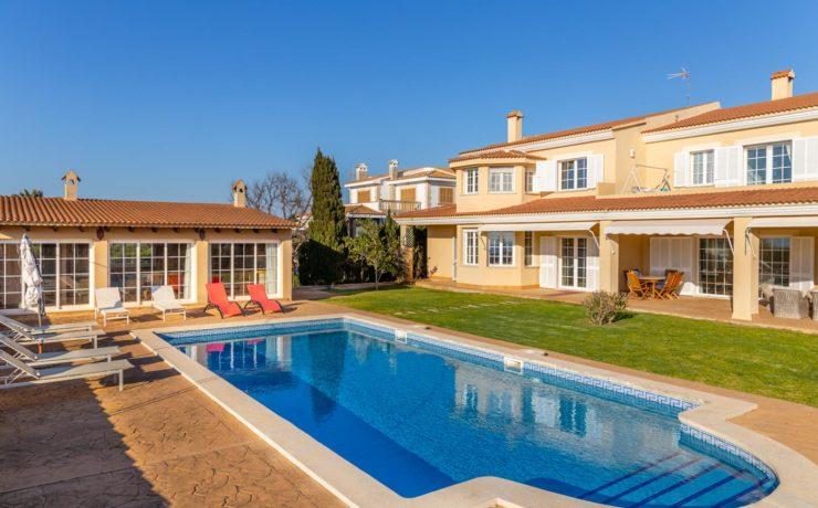 Villa with rental license Sa Torre