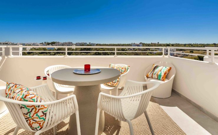 BRAND NEW: Penthouse apartment in Cala D`Or