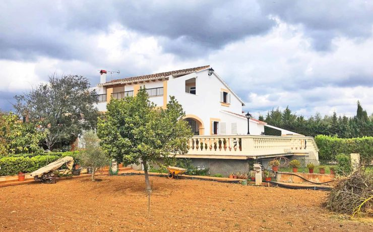 Großzügige Villa mit Pool in C`an Valent Palma