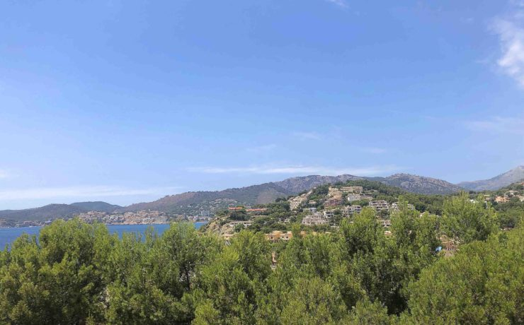 Refurbished sea view flat in Santa Ponsa