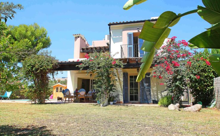 Golf villa in sought-after residence Nova Santa Ponsa