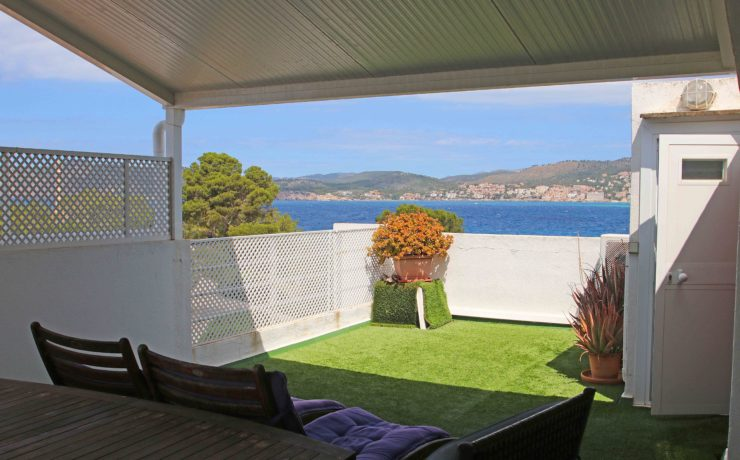First sea line: Flat with roof terrace Santa Ponsa