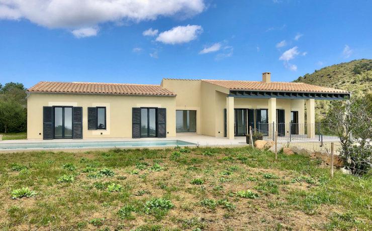 Neubau: Mediterranes Landhaus in Son Servera